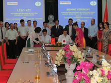 Lễ ký HĐ hợp tác cung cấp xút lỏng cho nhà máy Alumin Tân Rai
